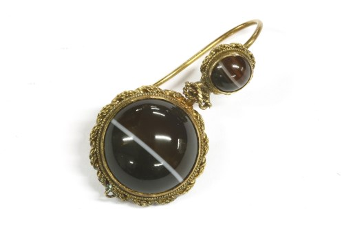 Lot 29-A single Victorian gold banded agate drop earring