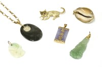 Lot 28-A 9ct gold cat brooch