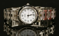 Lot 55-A ladies' stainless steel Hermès Clipper Quartz Diver bracelet watch