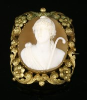 Lot 28-A gold carved shell cameo brooch