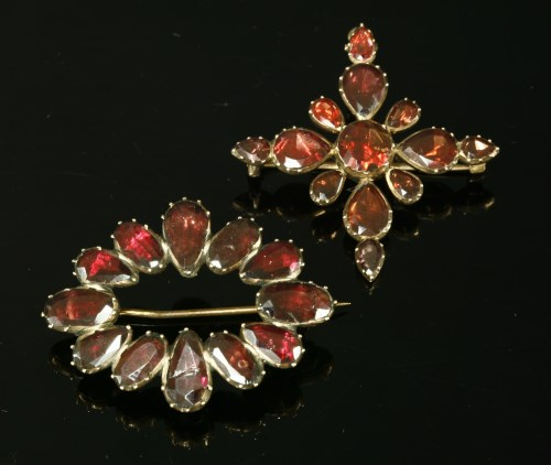 Lot 1-A Georgian gold flat cut garnet cruciform brooch/pendant