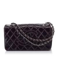 Lot 1050-A Chanel matelassé patent leather shoulder bag