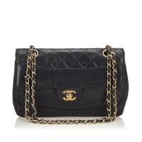 Lot 1064 - A Chanel matelassé leather flap shoulder bag
