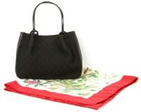 Lot 1080 - A Gucci shoulder bag