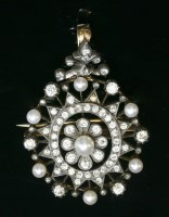 Lot 46-A Victorian pearl and diamond oval brooch/pendant