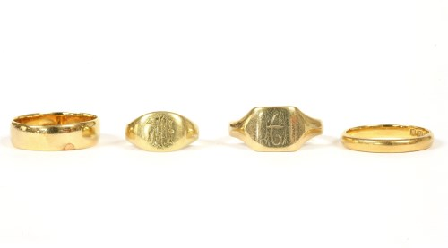 Lot 69-A 22ct gold wedding ring