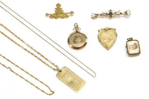 Lot 17-A collection of gold jewellery