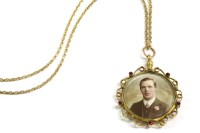Lot 83 - A 9ct gold picture locket