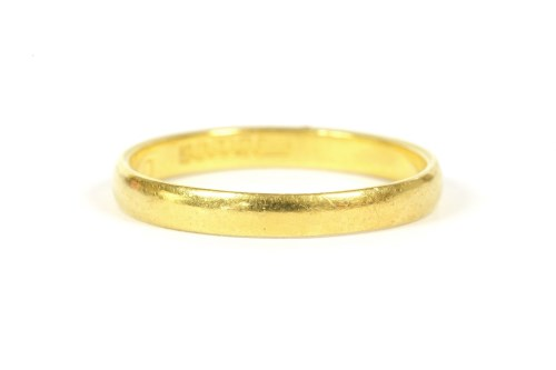 Lot 54-A 22ct gold wedding ring
