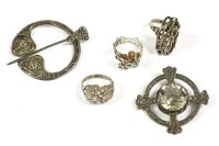 Lot 41-A collection of silver items to include a silver bark textured ring