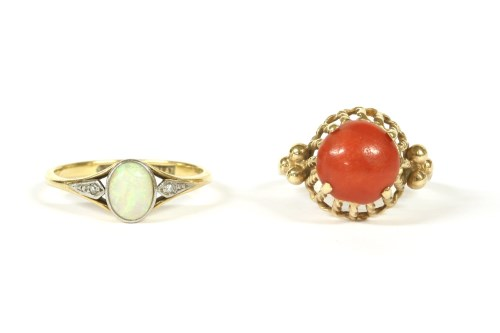 Lot 15-A gold single stone opal ring