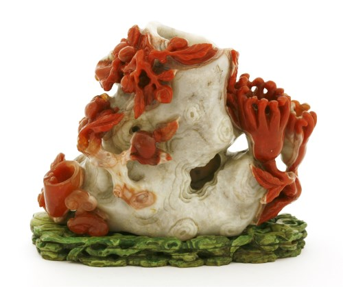 203 - A Chinese agate vase