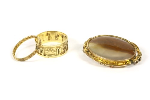 Lot 19-A gold band ring