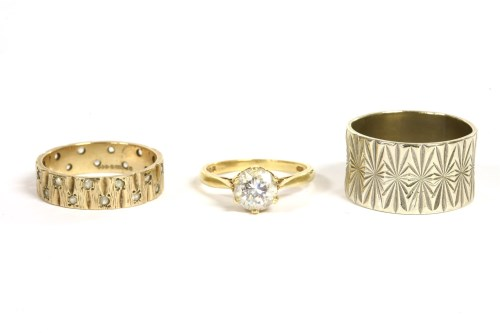 Lot 15-A 9ct gold wedding ring