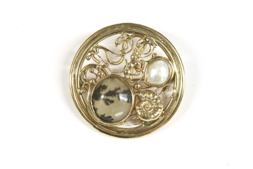 Lot 19-A 9ct gold circular moss agate and mabe pearl brooch