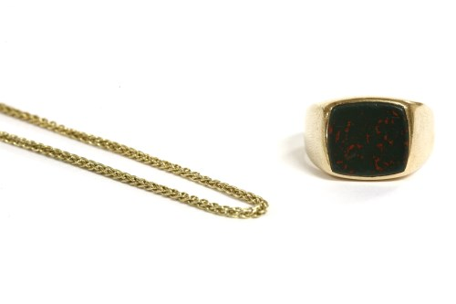 Lot 34-A 9ct gold gentlemen's bloodstone signet ring