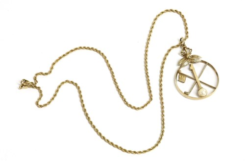 Lot 25-A 9ct gold single cultured pearl golf medallion