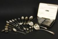 Lot 80 - A boxed set of six tea knives