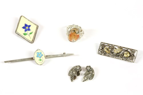 Lot 20-An Arts & Crafts sterling silver ring