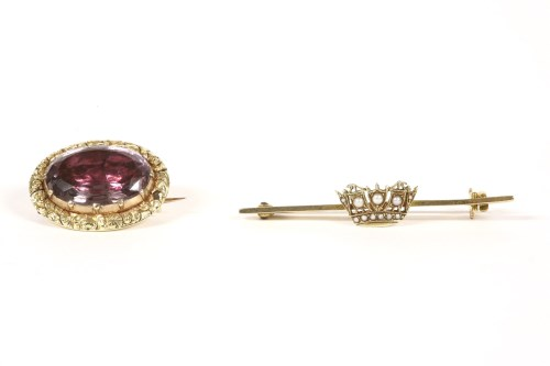 Lot 6-A split pearl navel crown bar brooch