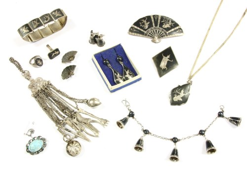 Lot 24-A collection of jewellery