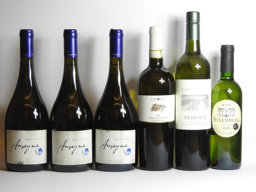 Lot 36-Assorted white wine to include: Vinoisa