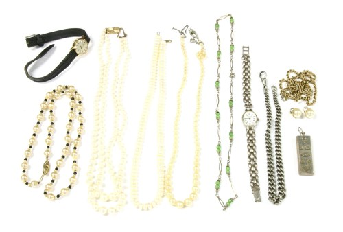Lot 18-A collection of jewellery