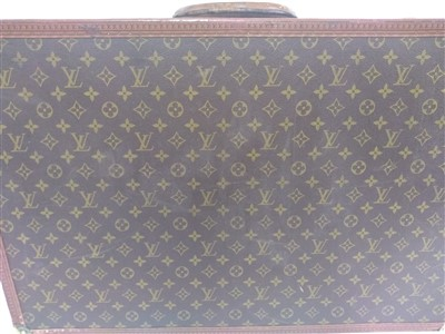 Lot 771 - An early 20th century Louis Vuitton suitcase