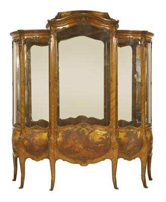826 - A French kingwood and gilt bronze-mounted vitrine,