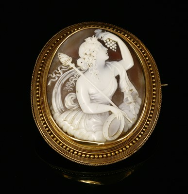 Lot 30-A Victorian gold shell cameo brooch
