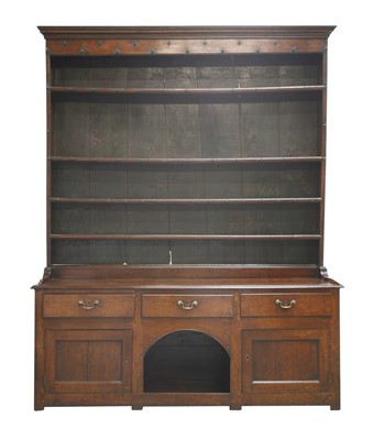 Lot 175 - A George III oak 'dog kennel' dresser