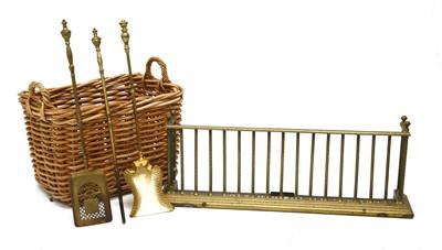 Lot 107 - A Victorian brass fender