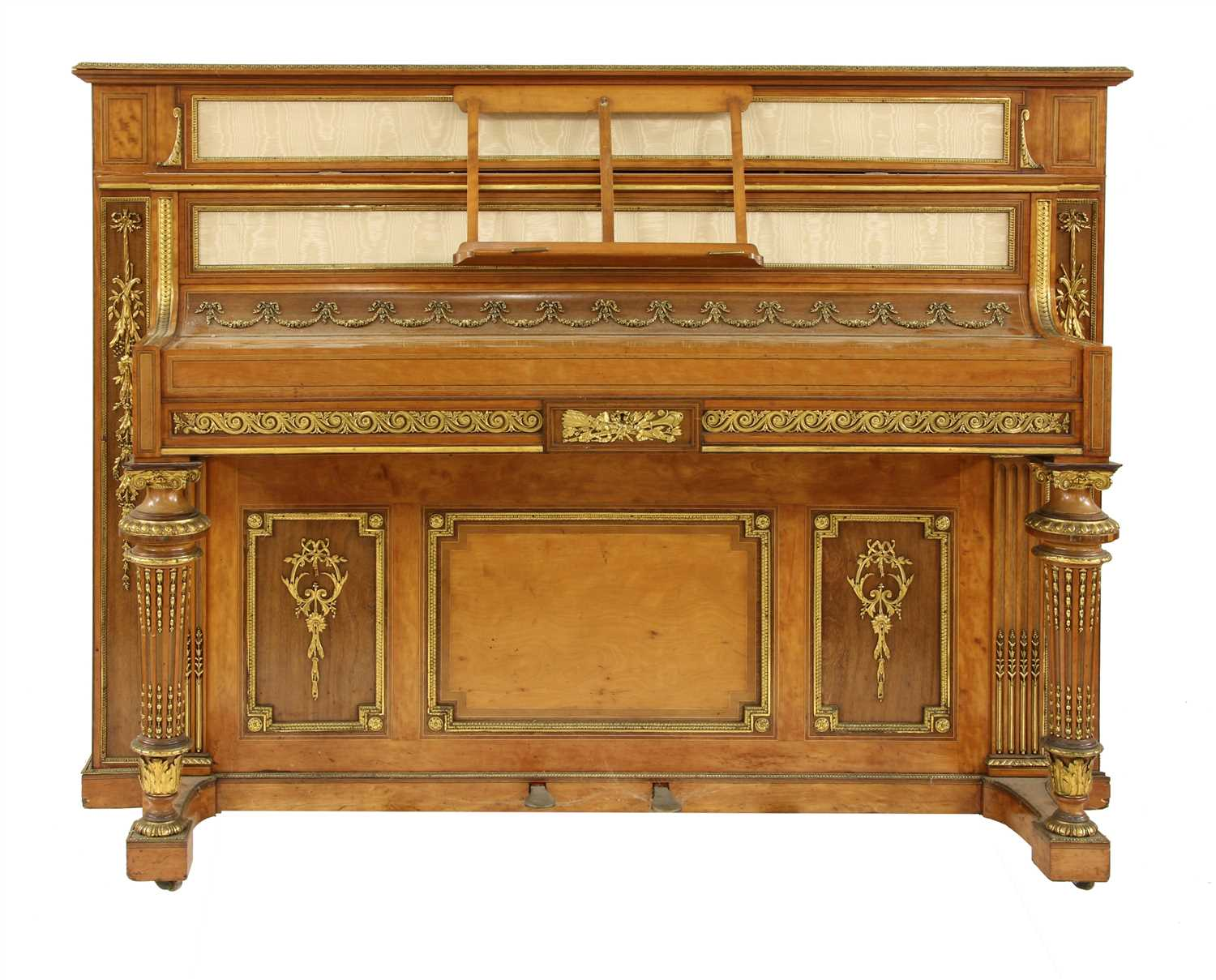 621 - An exhibition quality and ormolu-mounted upright piano
