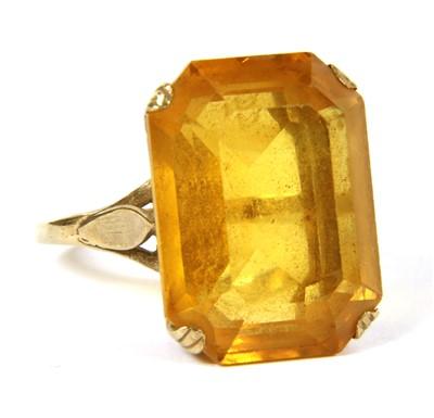Lot 4B-A single stone yellow paste ring