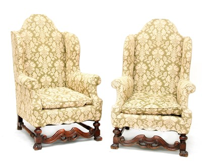 Lot 190 - A pair of elbow chairs