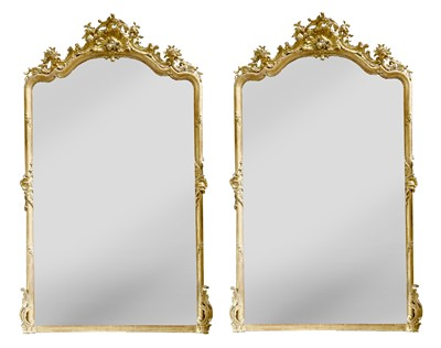 Lot 226 - A pair of Victorian carved and giltwood pier mirrors