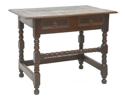 Lot 171 - An oak side table