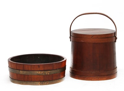 Lot 178 - A Shaker-style coopered softwood box and cover