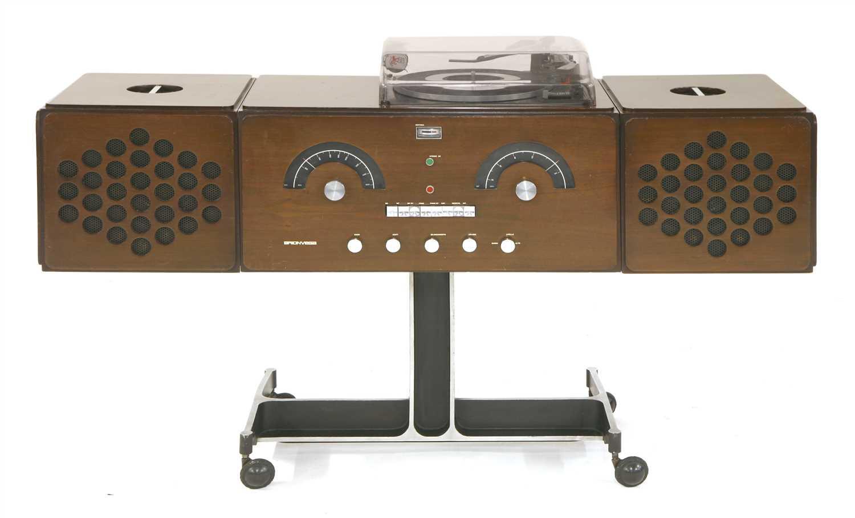 205 - An RR126 Radiofonografo,