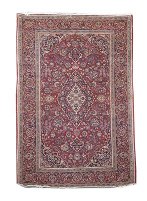 Lot 199 - A Kashan rug
