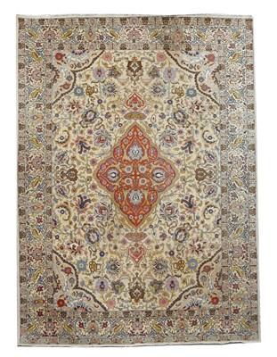 Lot 189 - A Tabriz carpet