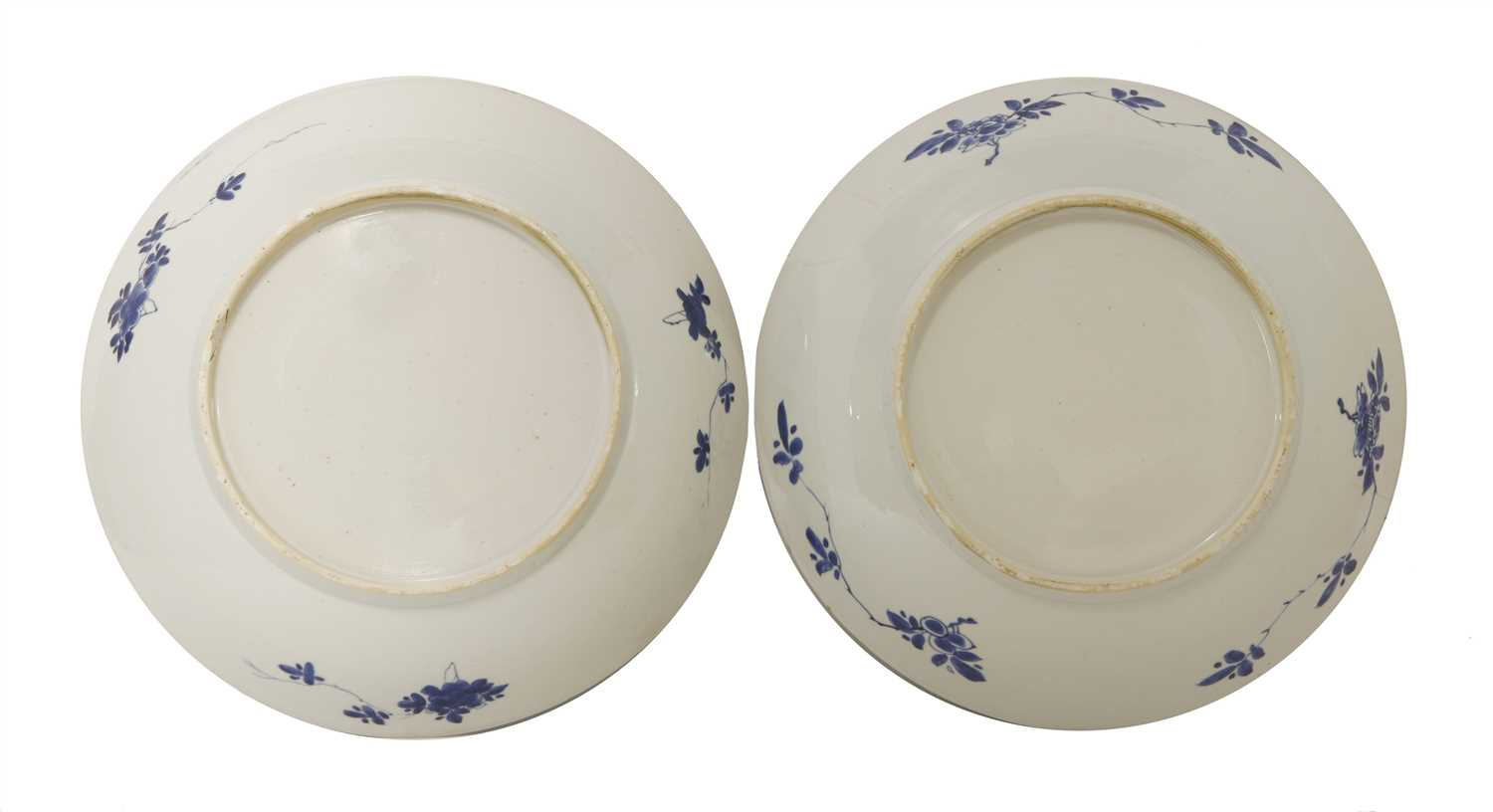 Two Chinese blue and white chargers,