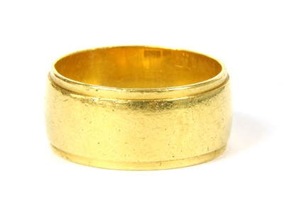 Lot 3-A 22ct gold wedding ring