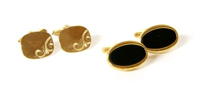 Lot 47-A pair of 9ct gold cufflinks