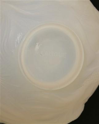 Lot 215 - A Lalique 'Formosa' glass vase
