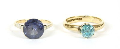 Lot 14-A single stone synthetic colour change corundum ring