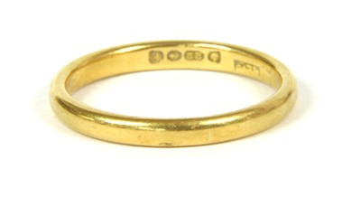 Lot 8-A 22ct gold wedding ring