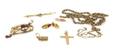Lot 8-An Art Nouveau paste pendant and chain