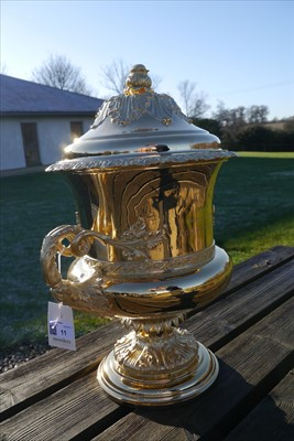Lot 11 - A silver gilt flying trophy 'The King's Cup'