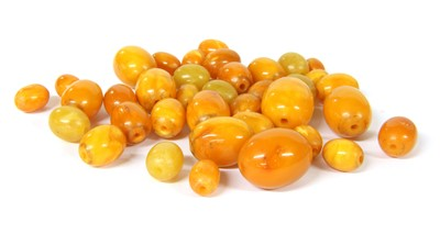 Lot 25-Loose oval amber beads